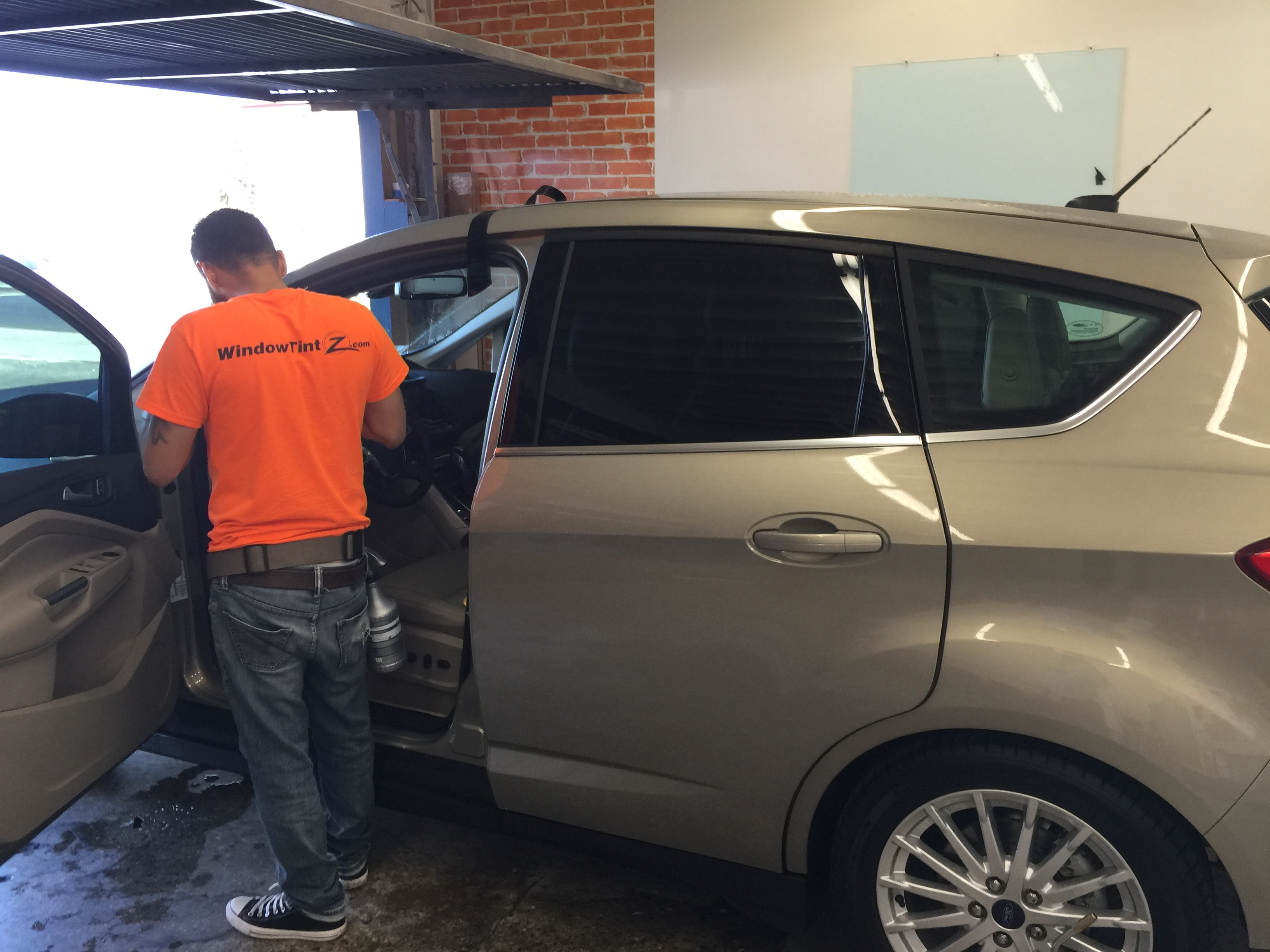 window tinting Ford C-MAX Hybrid