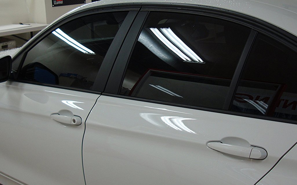 "4 Reasons Searching for ""Window Tint Near Me"" Can Save Your Life"
