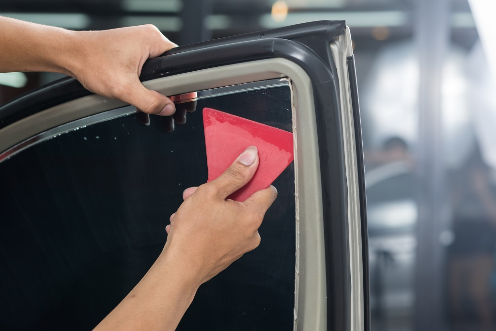 4 Advantages Of Getting A Car Tint Near Me From A Professional