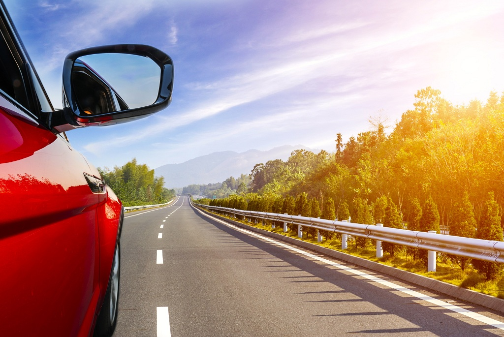 Pick the Right Window Tint to Give Your Car an Awesome Look