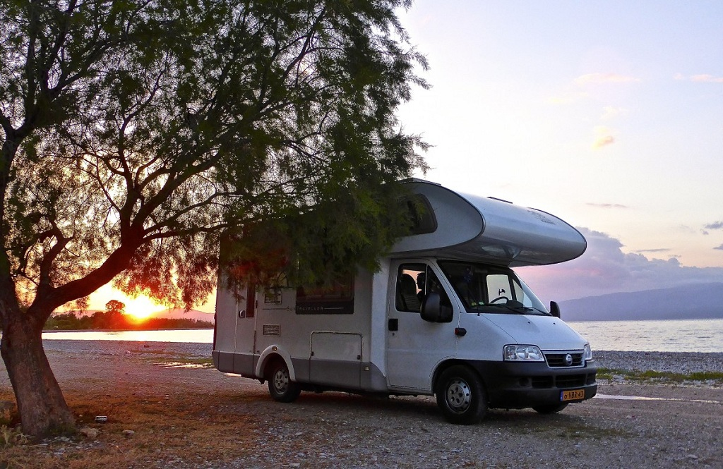 Which Window Tint Is the Best for Recreational Vehicles?