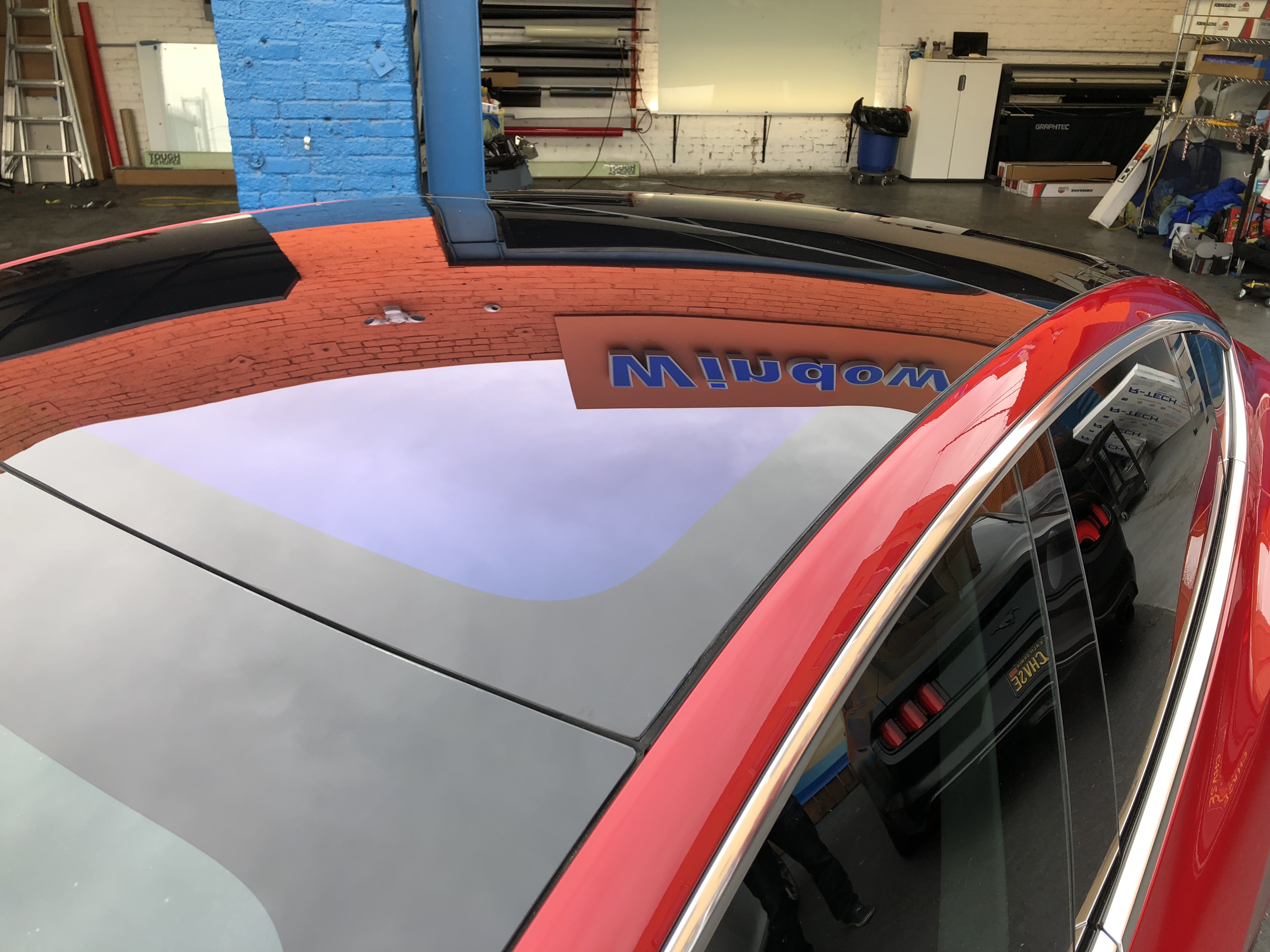 Tesla Model 3 sunroom window tint