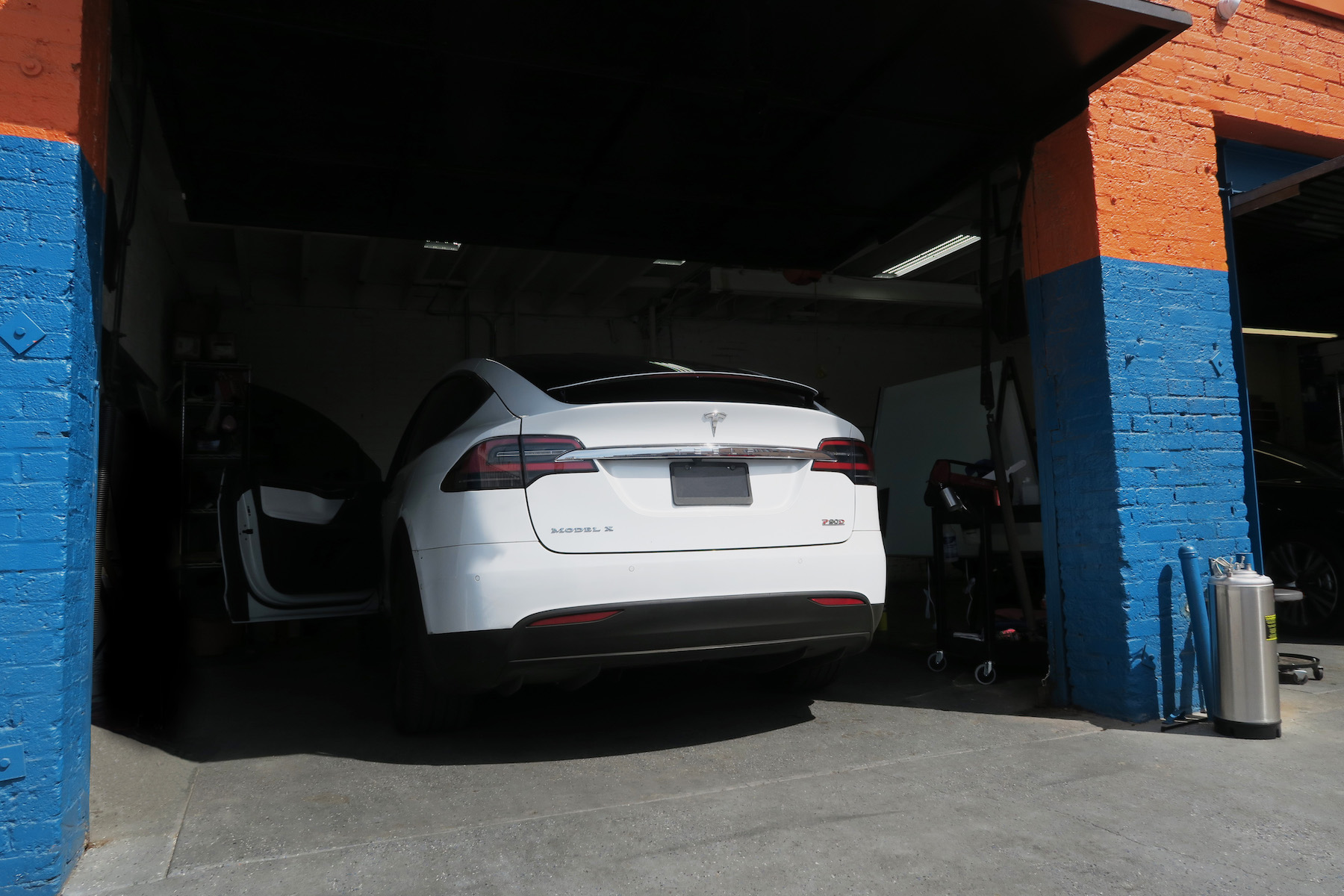 stratos ceramic tint on a tesla model 3 in los angeles window tint z. Black Bedroom Furniture Sets. Home Design Ideas